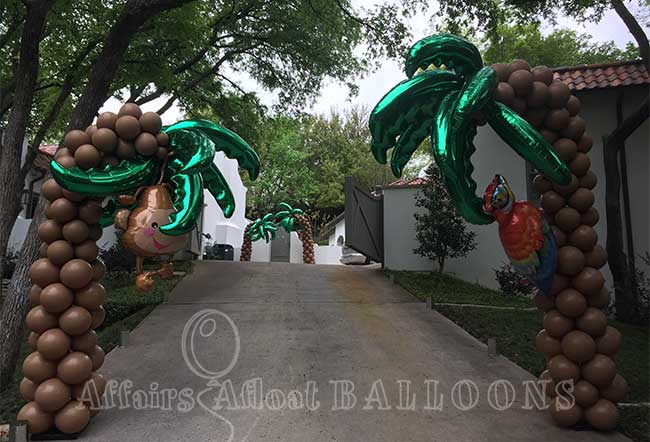 Specialty Decor Balloons 105